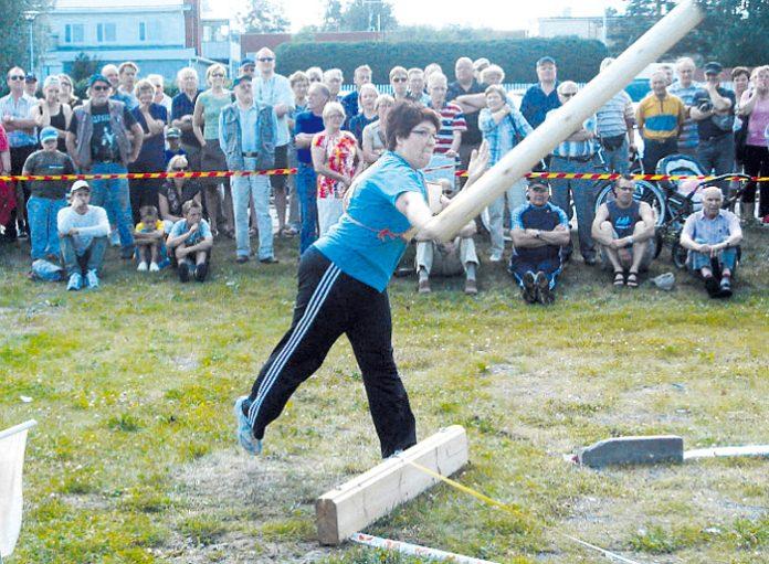 Vuoden 2011 naisten sarjan Suomen mestarin Virpi Mertaniemen tyylinäyte. Virpillä lienee myös edelleen koko kilpailun historian pisin naistensarjan SM -ja samalla MM-tulos (jpnews.fi)